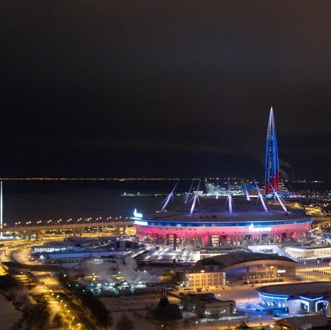Грандиозное световое шоу прошло в Санкт-Петербурге